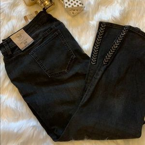 Ankle Skinnny Bling Jeans Retail $52. NWT